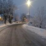 Dopo le intense nevicate della notte tutti gli spazzaneve disponibili impegnati lungo le strade dell'entroterra pesarese