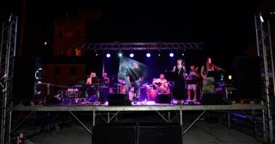 Successo di pubblico a Trecastelli per il concerto dei Madamadoré promosso dalla Pro Loco Ripe