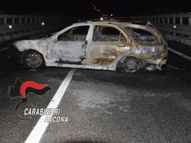 SENIGALLIA auto incendiata ponte cesano carabinieri notte2019-09-13-x0 (2)
