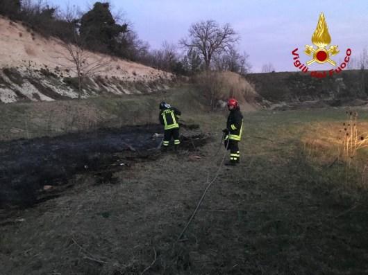 MONTE ROBERTO incendio sterpaglie vdf2020-03-23 (1)