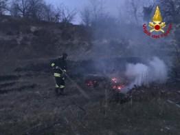 MONTE ROBERTO incendio sterpaglie vdf2020-03-23 (2)
