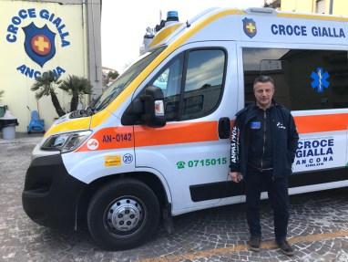 Sbaffo Andrea Presidente Regionale Anpas con volontari (2)