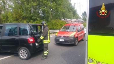 FALCONARA incidente statale auto bus vdf2020-05-28 (2)