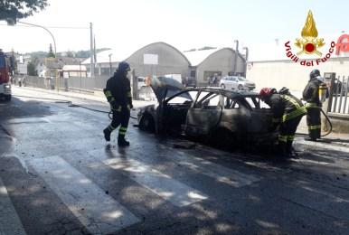 SASSOFERRATO incendio auto vdf2020-08-12 (2)