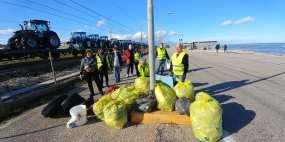 MARINA MONTEMARCIANO pulizia spiaggia volontari2020-12-12 (1)