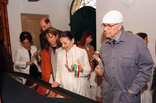 Carla Fracci e Beppe Menegatti a Maiolati spontini_2007_Mostra vestale