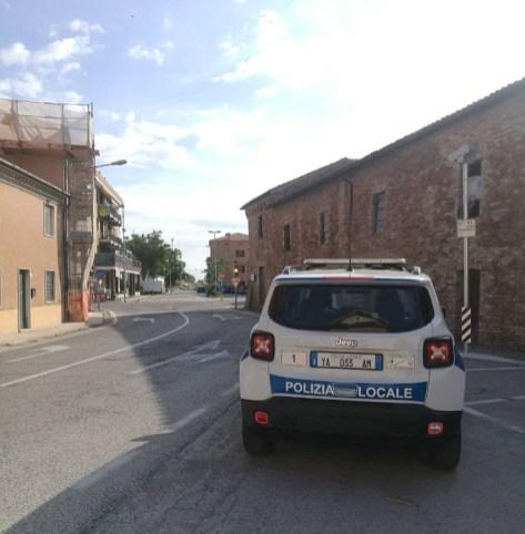MARINA DI MONTEMARCIANO polizia locale auto2021-05-29