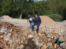 SANT'ANGELO IN VADO sequestro area rifiuti edilizia2021-10-07 (4)