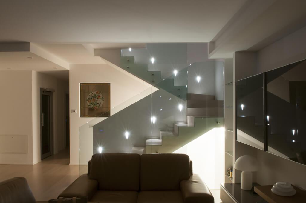 Illuminazione scala interna Fenegr  La Luce