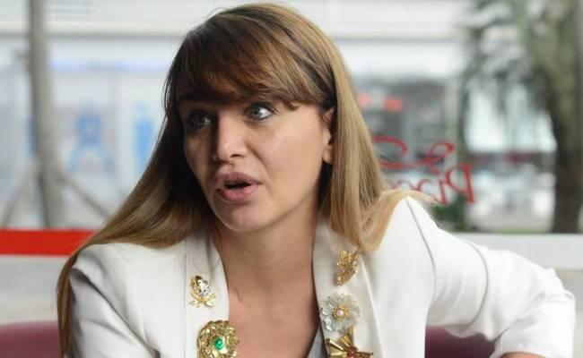 Amalia Granata La Giornalista Sospesa Per Essersi