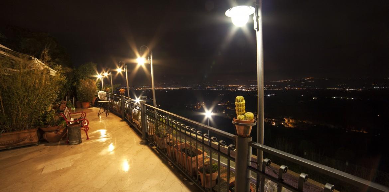 Terrazza panoramica  Hotel La Luma Montecosaro