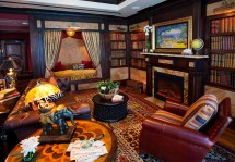 Disneyland' Themed Suites Super