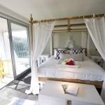 La Maison Pacifique master bedroom with private balcony