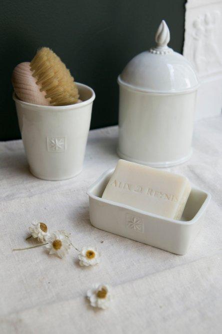 Porte savon en porcelaine