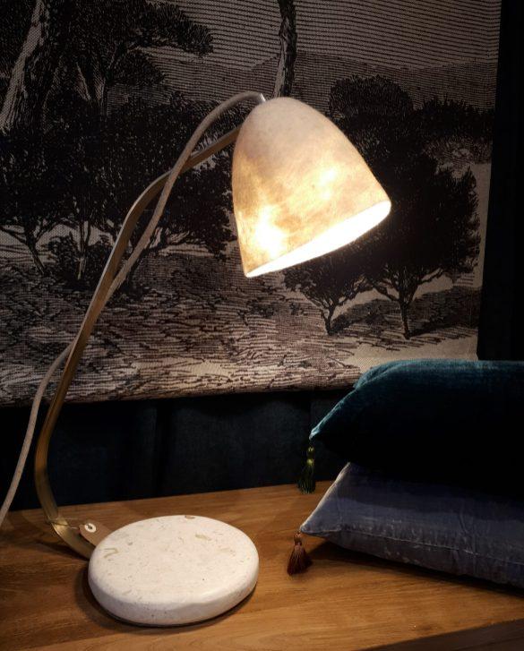 Lampe de bureau abat-jour en laine bouillie