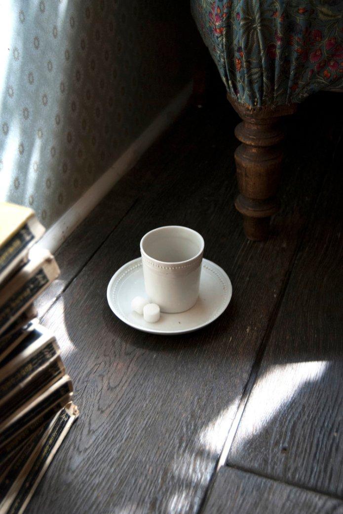 Tasse+café+fauteuil+2