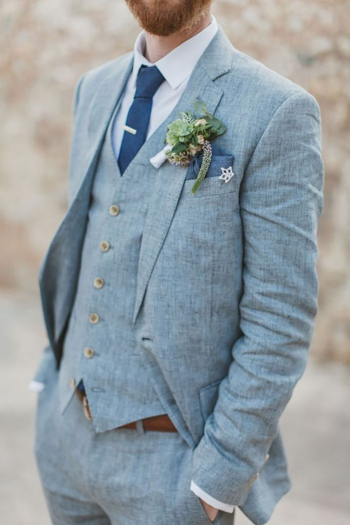Costume gris marié