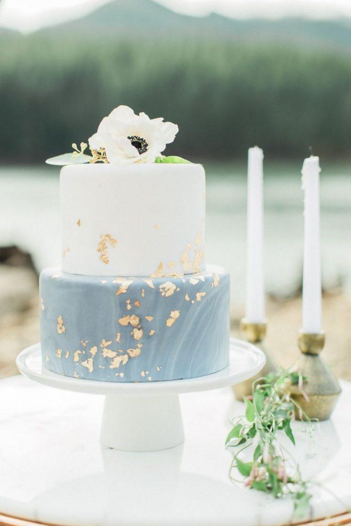 Nuded cake mariage bleu
