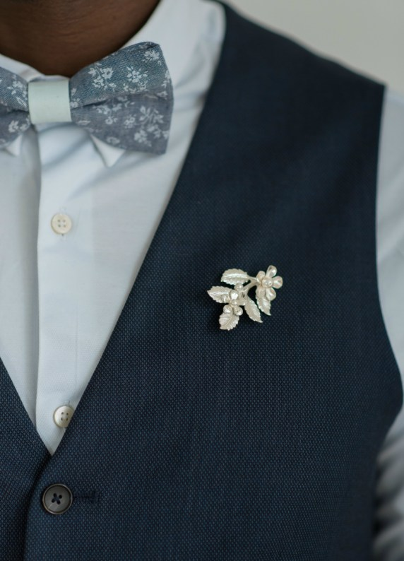 Boutonnière broche Gisèle - So Hélo Collection 2016 © Cécile Creiche
