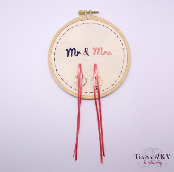 Le joli Bride Shop Tiana RKV | Noeud Papillon | Jeu-Concours | Noeud Papillon à pois | Porte Alliance Mr & Mme| Blog La Mariée Sous Les Etoiles