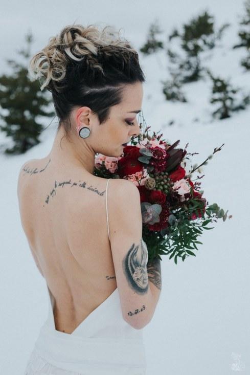 Let_In_Love_Shooting_dinspiration_hivernal_dans_les_montagnes_Gourette_Elopement_Caroline_Happy_Pics (35)