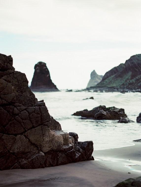 Carolina Ivan Love Session sur la plage Tenerife Island Espagne Credit kseniya bunets-7