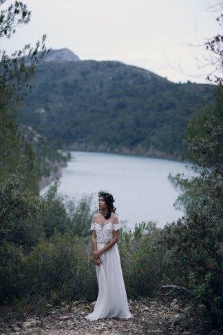 Inspiration mariage automnal en forêt   Crédit Lika Banshoya