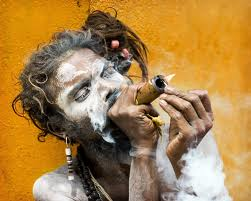 Shiva Smoking Chillum Hd Wallpaper En Nepal Han Prohibido A Los Sadhus Monjes Hind 250 S Vender
