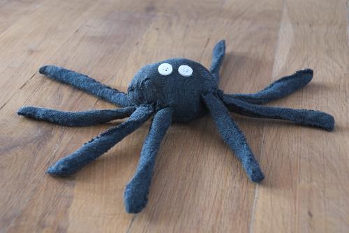 Une araignée fabriquée à partir d'une chaussette