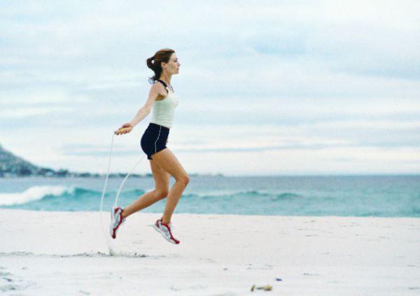 躺著倒立腿有什么好處 知道這些讓你愈加健康 - 減肥方法 - 辣媽女性網