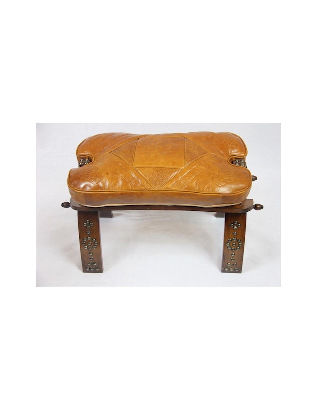 chaise en bois et cuir