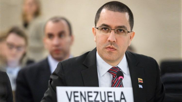 Jorge Arreaza, canciller venezolano, condenó la iniciativa de los cinco países (AFP)