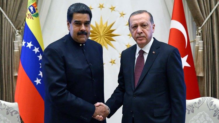 Erdogan con Maduro en octubre de 2017 (AP)