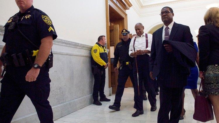 Bill Cosby, esposado (Reuters)