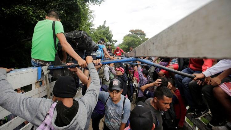 """Las autoridades instalaron un """"corredor humanitario""""(REUTERS/Jorge Cabrera)"""