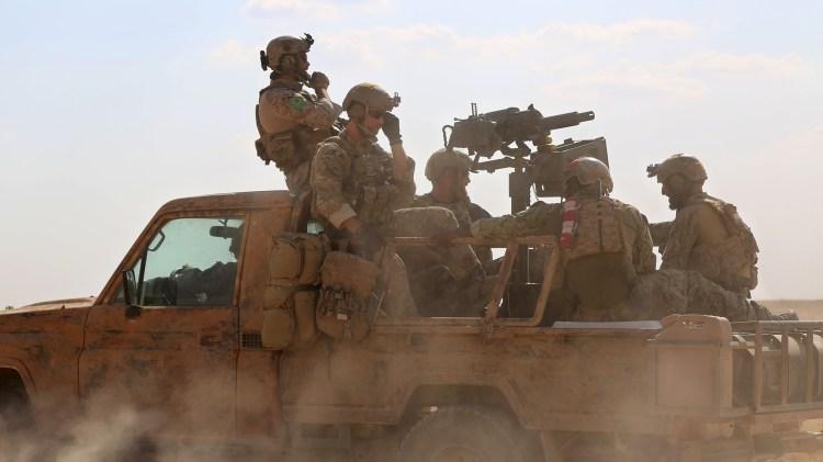Tropas especiales de EEUU en apoyo de las Fuerzas Democráticas Sirias. Donald Trump anunció el retiro de los soldados norteamericanos (AFP)