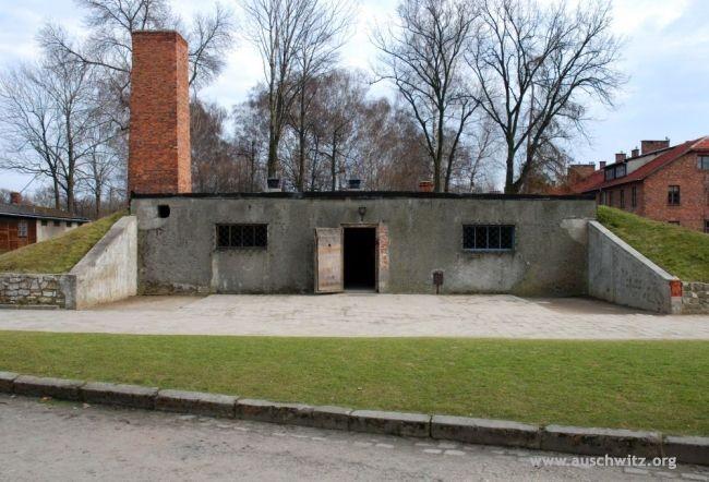 Ingresso della camera a gas e del crematorio 1 di Auscwitz 1