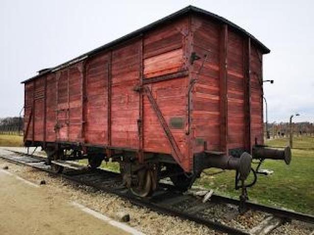 Vagone ferroviario ad Auschwitz 2
