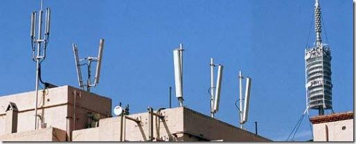 Antenas_telefonia_movil_tejado_edificio
