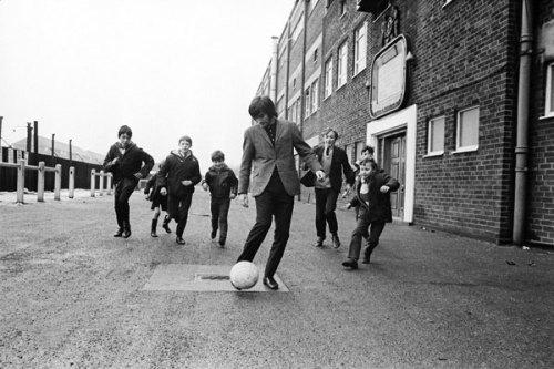 perseguido por los fans (ca 1968, foto de Ed Sheeran)
