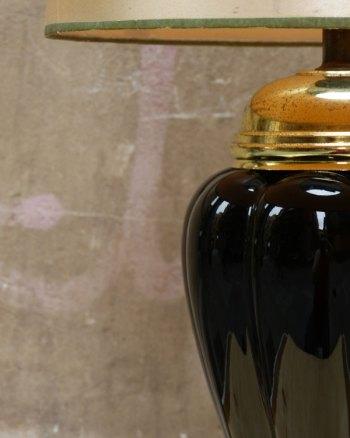 Lámpara 80's de cerámica negra y dorada