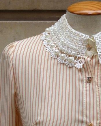 Blusa con perlas en el cuello de los 90