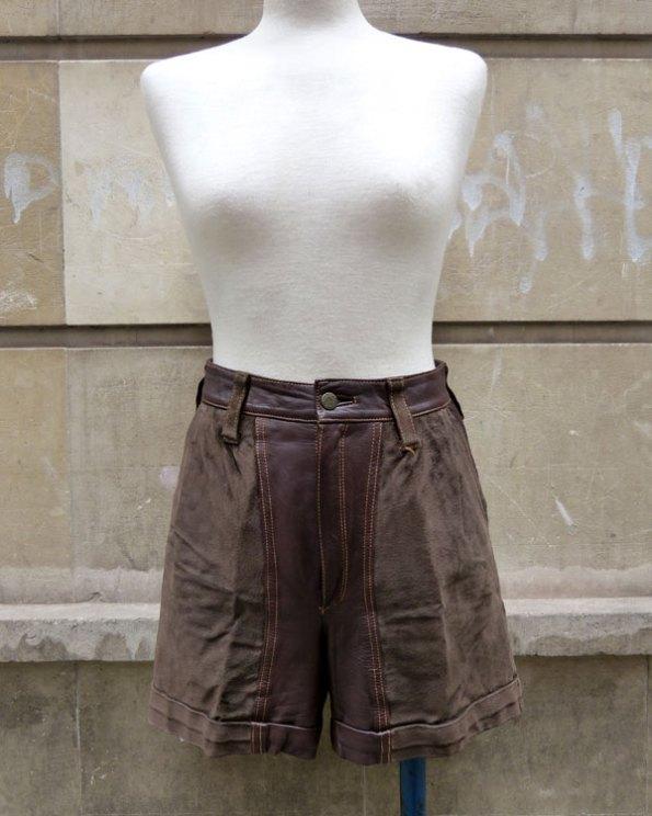 Shorts de piel y ante en color castaño