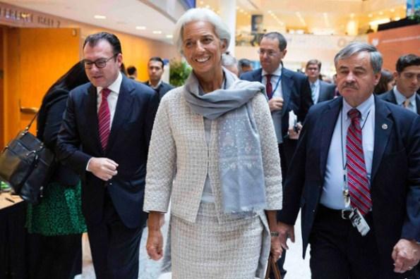 OK_Lagarde_tailleur