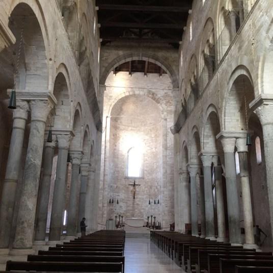 Trani, Cattedrale, arcate romaniche