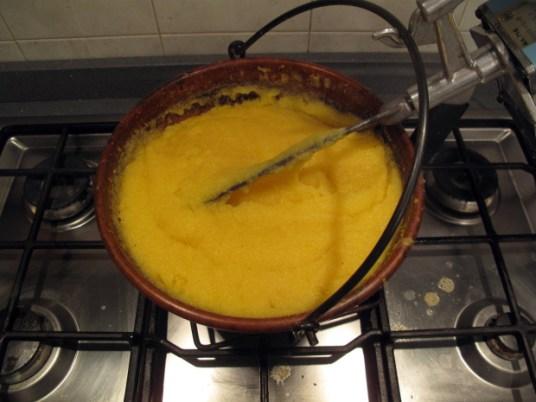 Ossibuchialla milanese con polenta alla bergamasca, polenta