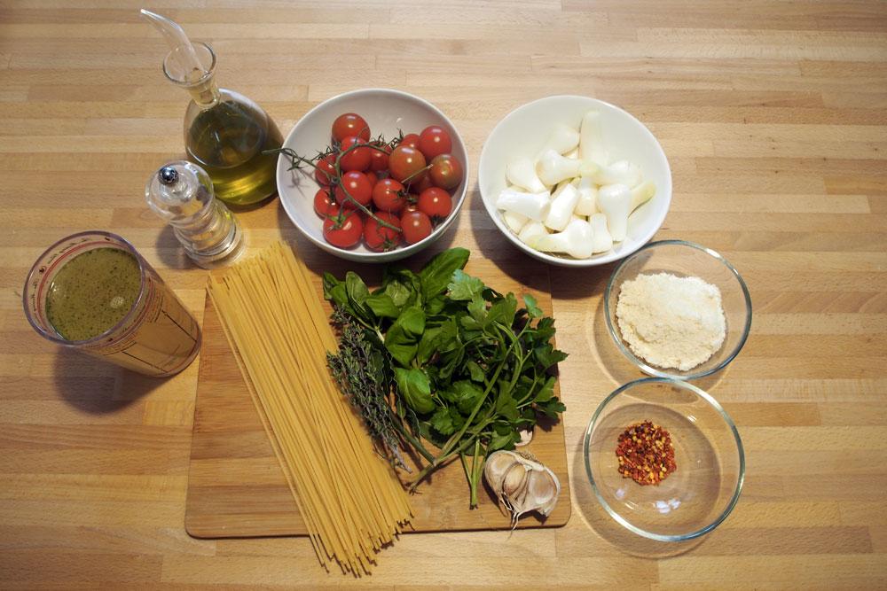 Spaghettoni al cipollotto e peperoncino