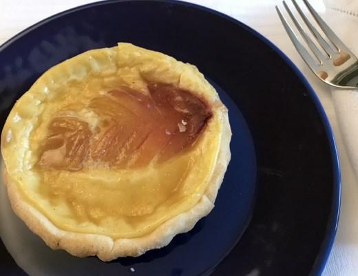 Crostatine di crema e pesche