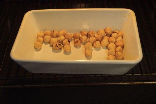 Pasta integrale con pesto di nocciole e sedano