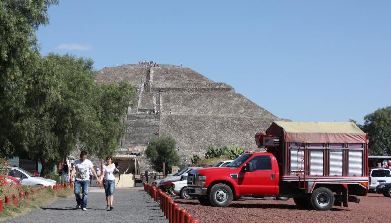 teotihuacán de lejos